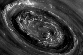 thunderstorms-on-saturn-tn